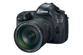Canon 5DS with 24-70